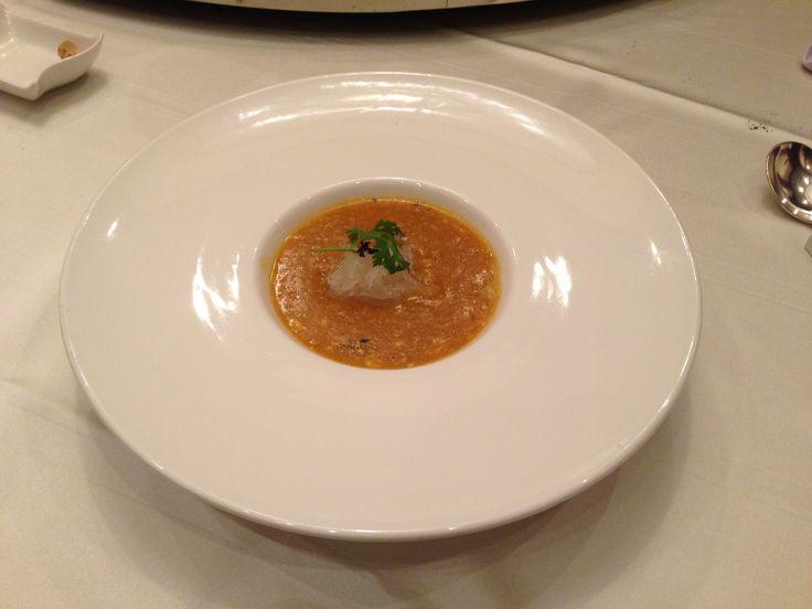 燕の巣、ふかひれスープ      中国料理「香桃」     リッツカールトン大阪5階