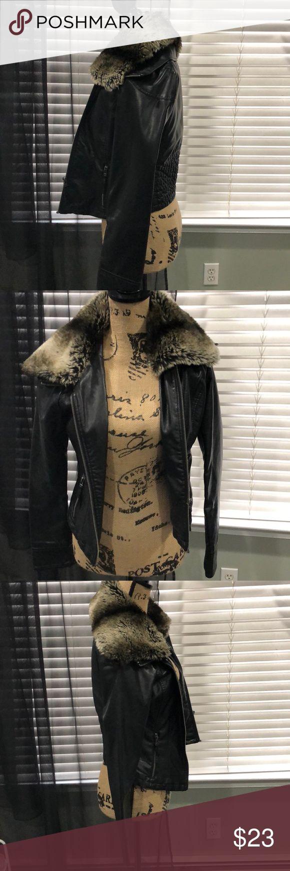 Black guess jacket Black jacket with fur Guess Jackets & Coats