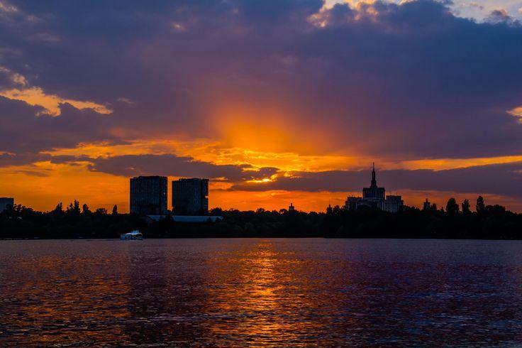 Sunset on Herastrau Parc by Ismail Kurt on 500px