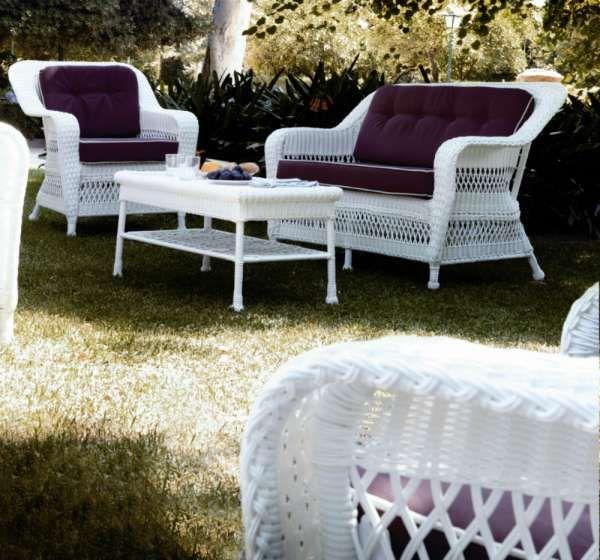 12 meubles de jardin en rotin blanc