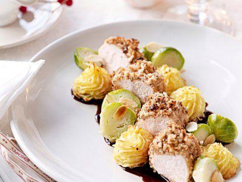 Kalkoenfilet met crumble, spruitjes en knolselderroosjes - Libelle Lekker