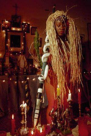 during her ceremony as Voodoo Queen in New Orleans, Louisiana. 1991300 x 448 | 29 KB | voudou.ru
