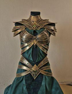 via Tumblr:  Woodland Realm attire fit for a warrior queen #2. (Picture 1 designer credit: Aldafea - Deviant Art.)