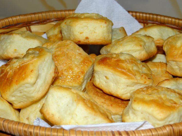 Kelesztés nélküli sajtos pogácsák – villámgyors sós finomság!