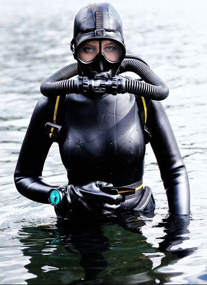 I took my first dive 12 years ago and it became a fundamental part of me. nothing beats the deep.