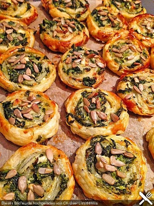 Blätterteig - Spinat - Schnecken, ein leckeres Rezept aus der Kategorie Fingerfood. Bewertungen: 183. Durchschnitt: Ø 4,3.