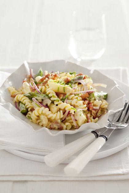 http://www.vriendin.nl/slank-gezond/recepten/5209/recept-voor-pasta-met-asperges-en-gorgonzolasaus