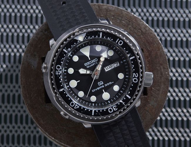 Buying Guide: Vintage Dive Watches (That Aren't Rolexes) • Gear Patrol http://www.deepbluediving.org/scuba-bcd-buying-guide/