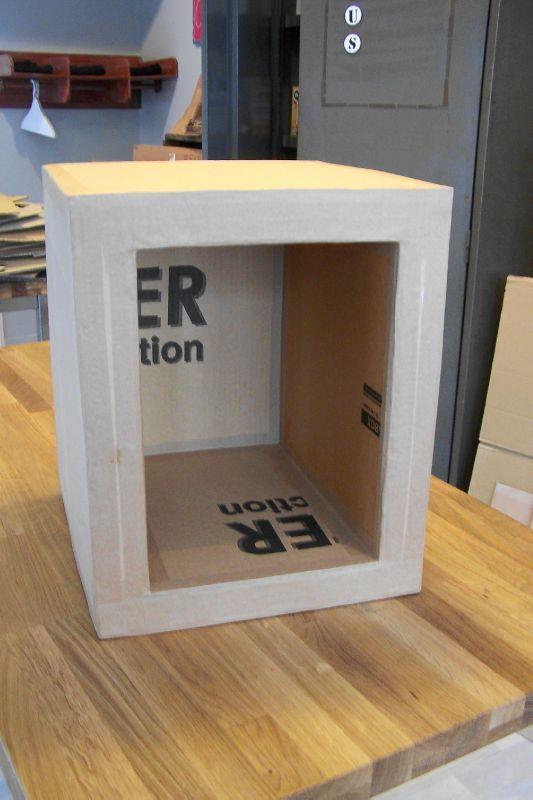 Les 147 meilleures images propos de meubles en carton for Finition meuble en carton