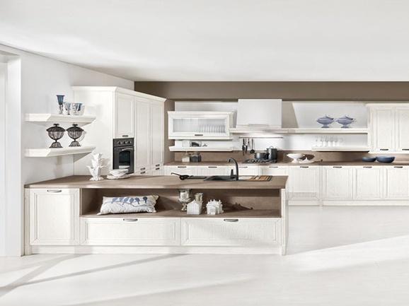 Cucina angolare classica con anta telaio frassino laccato - Anta cucina laminato ...