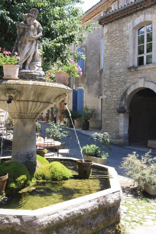 Saignon©Alain Hocquel -http://www.provenceguide.com/patrimoine-culturel/saignon/luberon/provence-PCUPAC084CDT0000344-1.html #Vaucluse #Provence #Luberon