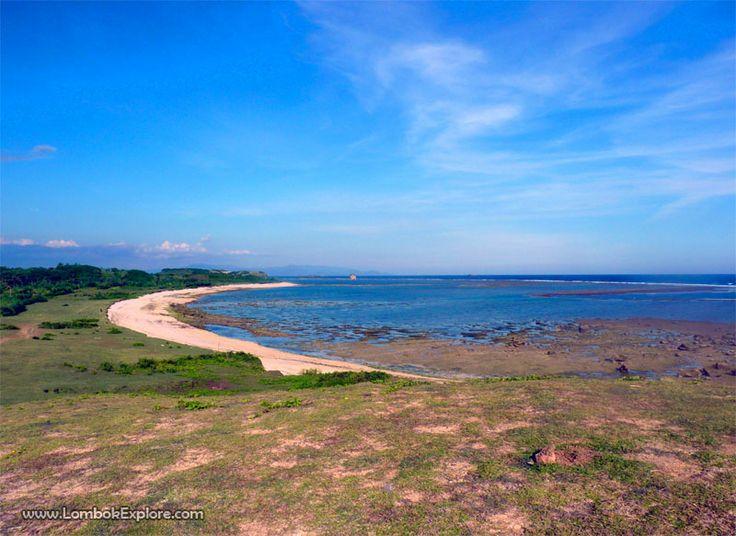 Pantai Batu Dagong (Batu Dagong beach). A beautiful beach in East Lombok, Indonesia. For more information, please visit www.LombokExplore.com.