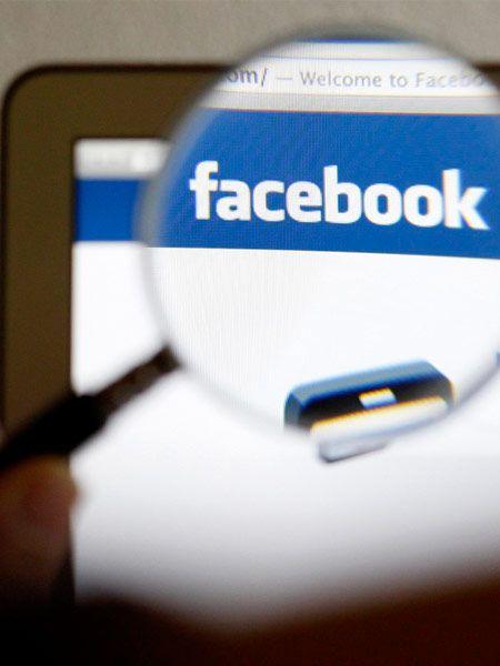 Um bei Facebook Spammern und falschen Accounts keine Chance zu geben, ist es Pflicht, seinen offiziellen Namen zu verwenden. Bisher