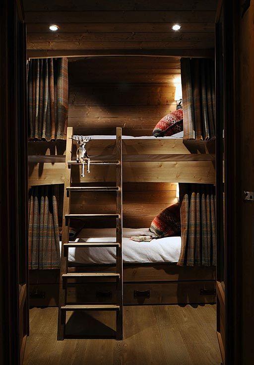 Cтиль шале, двухъярусная кровать   #кровать #спальня #шале