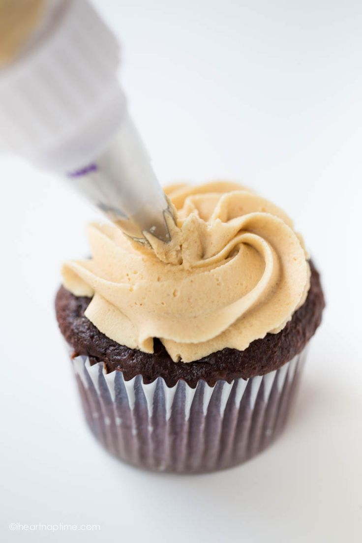 chocolate peanut butter cupcake on iheartnaptime.com