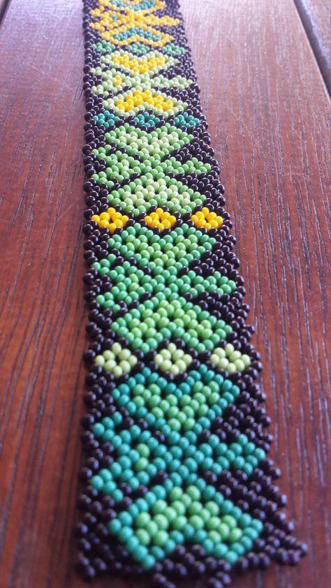 Handmade Green Grass Huichol Bracelet by CualtzinCihuatl on Etsy