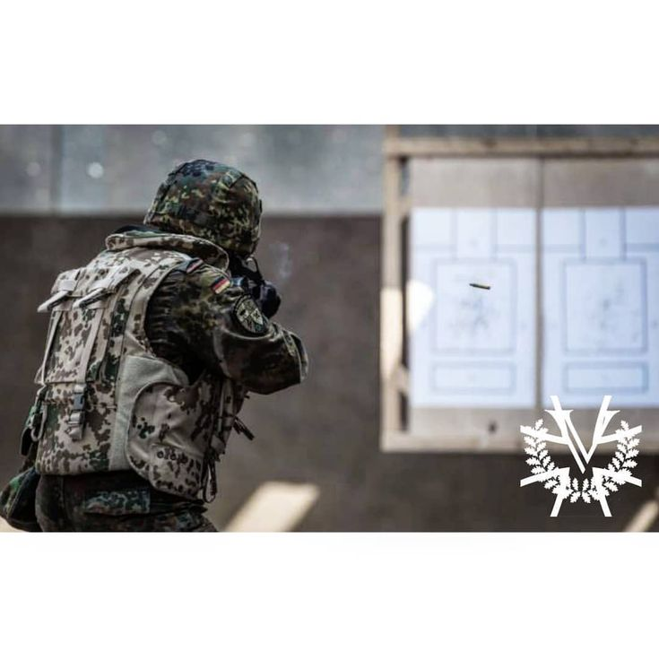 Infanterist am Schießstand mit dem G36 🇩🇪 German rifleman at the shooting range with his G36 rifle ________________________________________________ #Bundeswehr #Deutschland #WirDienenDeutschland #Luftwaffe #Marine #Heer #G36 #Soldat #Flecktarn #Soldaten #Kameraden #Veteran #Veteranen #Military #Army #Germany #GermanMilitary #Nato #Soldier #Soldiers #SemperFi #ArmedForces #ArmyLife #Range #ShootingRange #Rifle #Assaultrifle #Fullauto #2ndamendment #Tactical