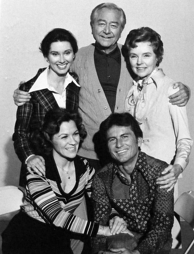 Father Knows Best Reunion 1977 - Father Knows Best - Wikipedia, the free encyclopedia