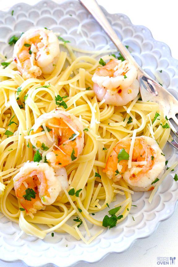 15-Minute Skinny Shrimp Scampi Recipe by gimmesomeoven #Pasta #Shrimp #Light