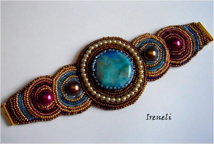 Pulsera embrodery