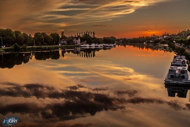 Juste un coucher de soleil sur joigny joigny ville d for Piscine de joigny
