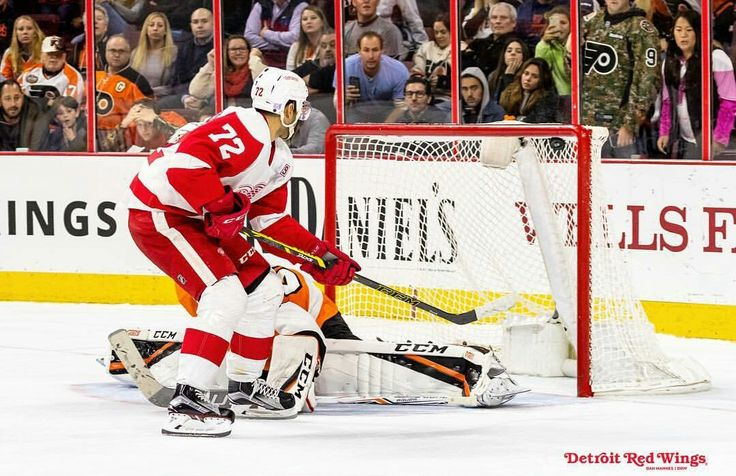 Andreas Athanasiou gets the game winning shoot out goal.