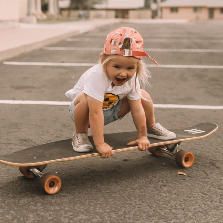 Rosie is skateboard obsessed and has been doing classes with daddy! She seriousl…