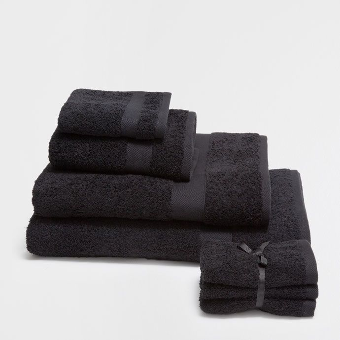 http://www.zarahome.com/pl/łazienka/ręczniki/ręcznik-jakości-premium-w-czarnym-kolorze-c1020044322p7501043.html