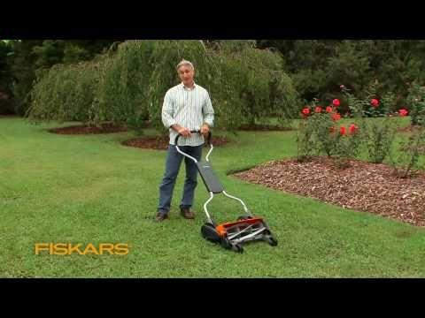 Fiskars Momentum: The Eco-Friendly Push Reel Lawn Mower - YouTube