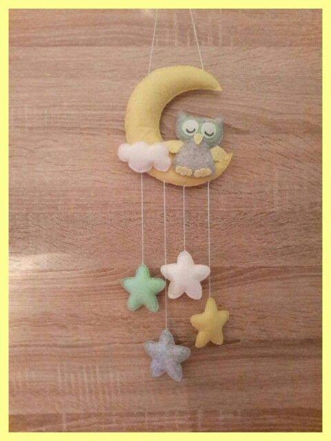 Wall hanging, felt, owl, stars, moon, handmade, nursery decor. Fensifilc