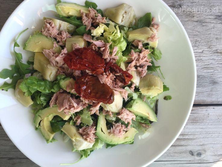 Avocadosalade met tonijn en artisjok