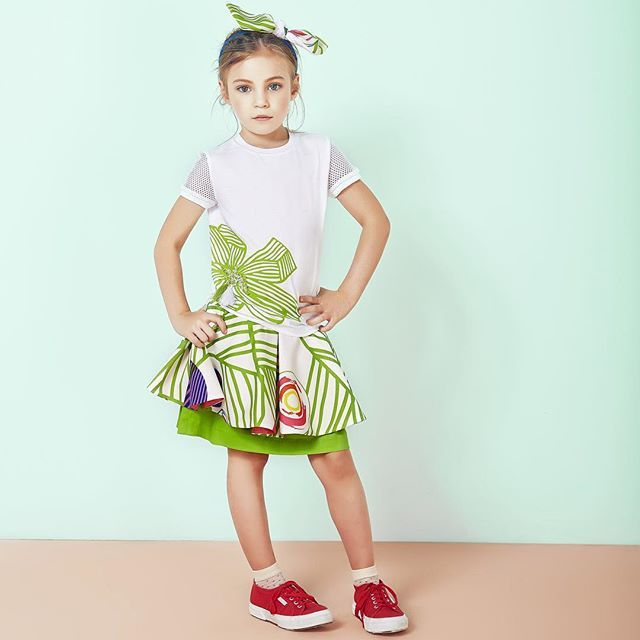 A bright and fun start into the new week in vibrant colours and summer-ready prints #MyValMax #valmax #childrensfashion #momblog #momblogger #kidsfashion #childrenswear #kidsstyle #stylishkids #trendykiddies #madeinitaly #puglia #craftsmanship #bright #vibrant #summer #kidsootd
