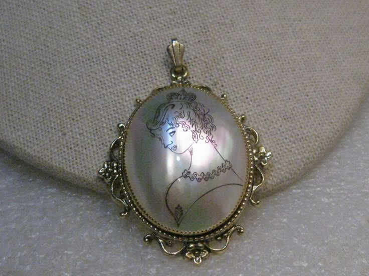 """Vintage Painted Woman on MOP Locket, Victorian Themed, 2.5"""", 1950's-1960's #Unbranded #pendant"""