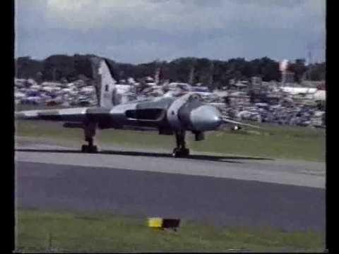 Avro Vulcan XH558 Spectacular Take Off