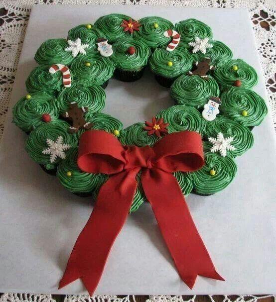 Christmas cupcake wreath idea!- make them homemade for karleigh's party :)