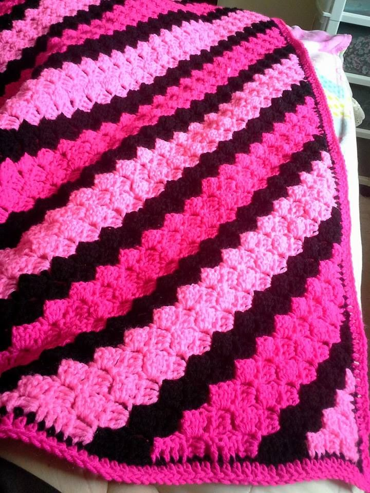 Love c2c but this c2c made by Brenda in these pinks is ...
