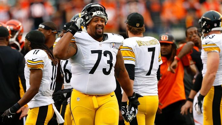 Offensive guard Ramon Foster and the Steelers announced that he had come to terms on a new three-year contract, confirming a Post-Gazette report Tuesday night (3/8/16) that the sides were finalizing a new deal, the third with the Steelers for the onetime undrafted rookie tackle from Tennessee.