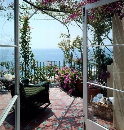 Sweet porch near the ocean.  swansong-willows:    (via Bonnie Anne Pinard / Pinterest)