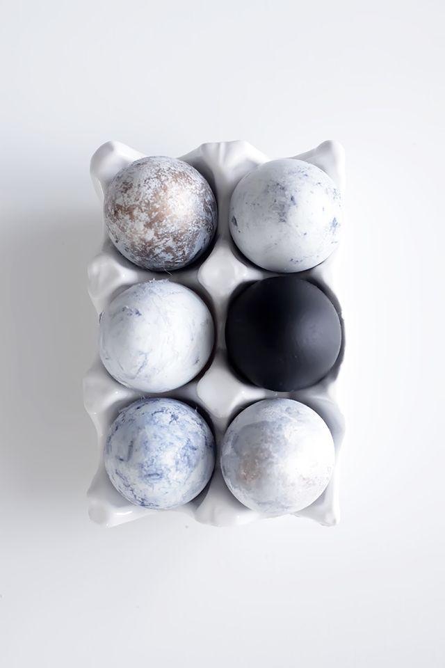 Black + white marble Easter egg decoration