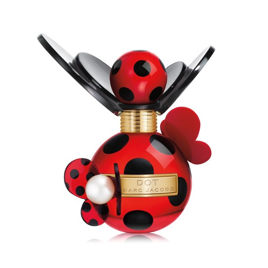 Marc Jacobs parfum Dot http://www.vogue.fr/mode/shopping/diaporama/cadeaux-de-noel-rouge-fatal/10938/image/651526#marc-jacobs-parfum-dot