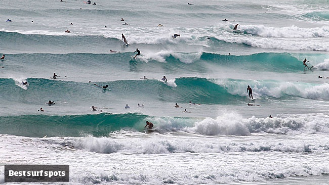 Top 10 surf breaks in SE Queensland and northern NSW. Here The Superbank - Snapper Rocks, Rainbow Bay and Greenmount