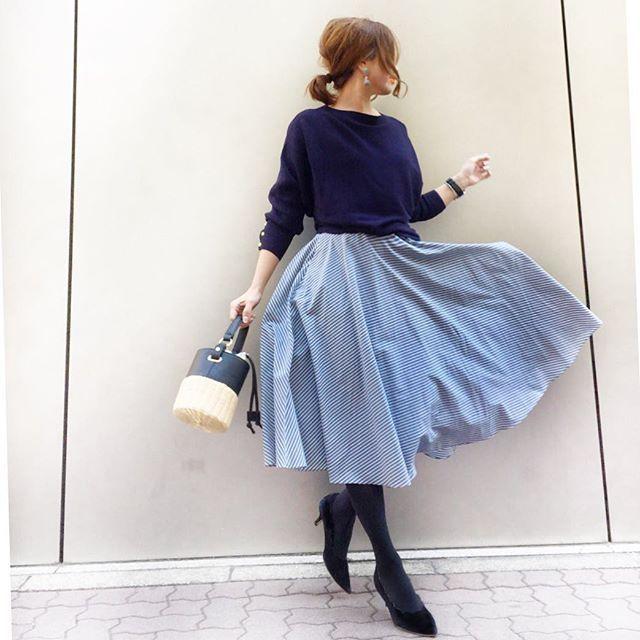 【コーデ】UNIQLO2色買いスカート 2018.2.17 ネイビー×ブルー 形が好みすぎて2色買いした ユニクロの #サーキュラースカート ブルーは爽やかで春っぽい♡ ・ skirt … @uniqlo_ginza knit … #rougevif bag … #zara ・ コーデ詳細はBLOGにて✨ なんて風が強いの 昨日から寒すぎる 火曜日の⛄️は本当か?! ・ ・ ・・-------------------------------------------- #ユニクロ銀座 #ユニクロ #uniqloginza #ユニクロユー#uniqloginza2017fw #uniqlo2018ss #ユニクロ新作 #ユニクロのスカート #uniqloginza2018ss #ユニジョ #ユニクロ銀座 #ユニパト #ユニクロきれいめ部 #インスタ映え #ユニクロスカート族 #上下ユニクロ部 #今日はスカート