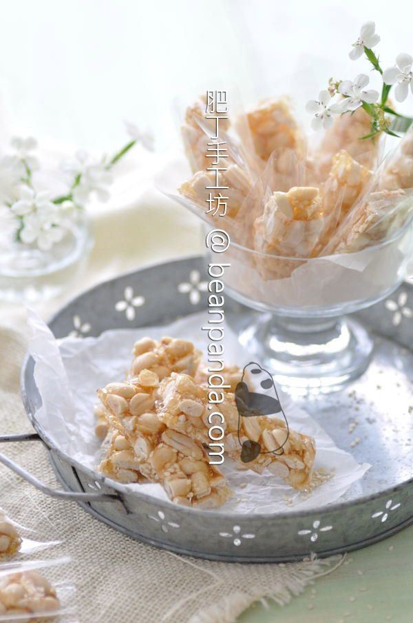 Crunchy, sweet and sinfully additive peanut brittle. If you've never tried the Chinese candy made with sesame seeds and peanuts, you're really missing out !   Ingredients ( Makes 30@ 2 x 7 cm ) 350 g Unsalted Peanut 15 g White Sesame Seeds 150 g Demerara Raw Cane Sugar 160 g Maltose 1/4 tsp Sea Salt 200 […]