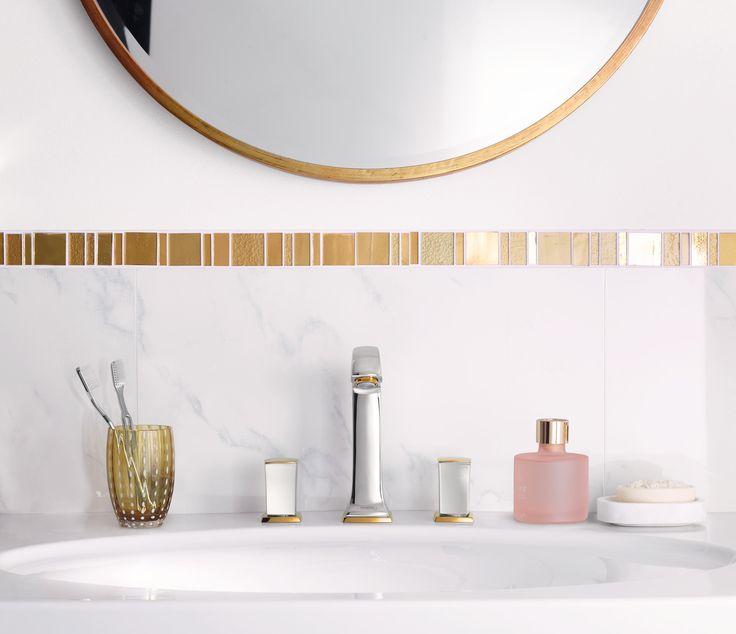 Classic bathroom design: Nostalgic mixer with golden accents with zero-handle control unit. #hansgrohe #MetropolClassic #Metropol
