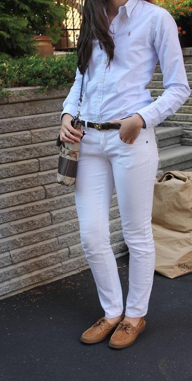 preppy-couture:    Casual supper outfit:  - Ralph Lauren oxford shirt  - White Parasuco jeans  - My favorite vintage Ralph Lauren belt  - Sperry top-siders  - Coach handbag