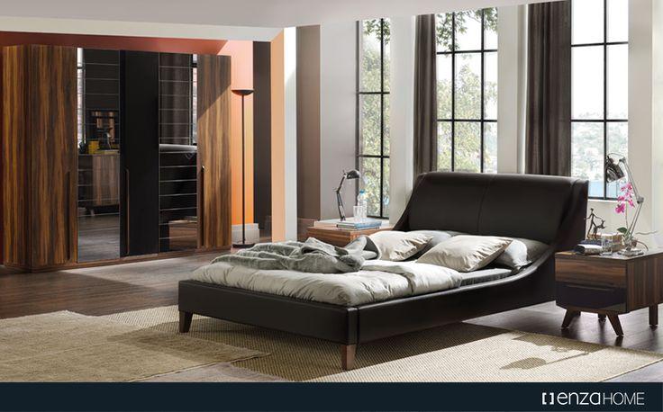 Siyah rengin sofistike etkisini doğal ahşap ve deri kombinasyonu ile buluşturan Bolero Yatak Odası, zarif tasarım detaylarıyla davetkar bir atmosfer yaratıyor.
