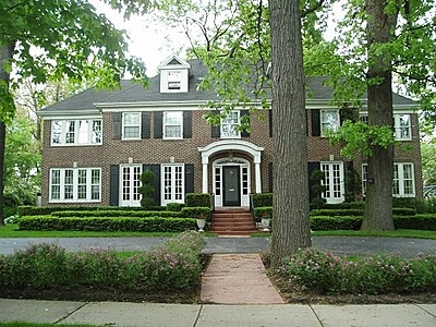 The 'Home Alone' house is Located at 671 Lincoln in Winnetka, Illinois, the brick beauty is a colonial Georgian featuring 4 bedrooms, 4 bathrooms, 4 sun porches, and a custom designed kitchen.