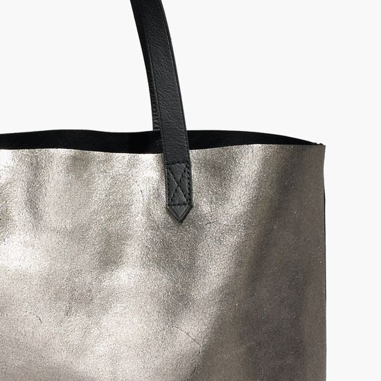 Reversible Transport Tote by Madewell http://mwell.co/giftwellsweeps #giftwell #sweeps