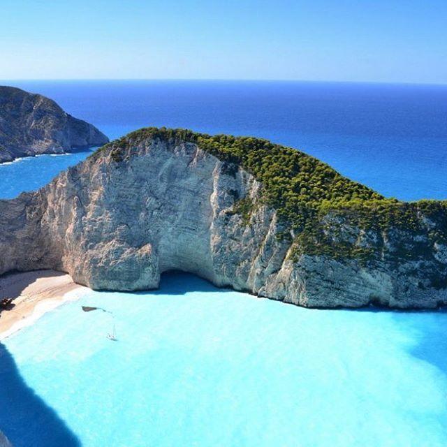 Le spiagge della Grecia per un'estate da sogno!  #giftsitter è la #lista viaggio adatta ad ogni occasione. Scopri di più cliccando sul link in bio.  #giftsittermania #viaggio #viaggiare #viaggiatori #travel #travelingram #instagram #instadaily #picoftheday #photooftheday #sun #relax #sole #beach #spiaggia #divertimento