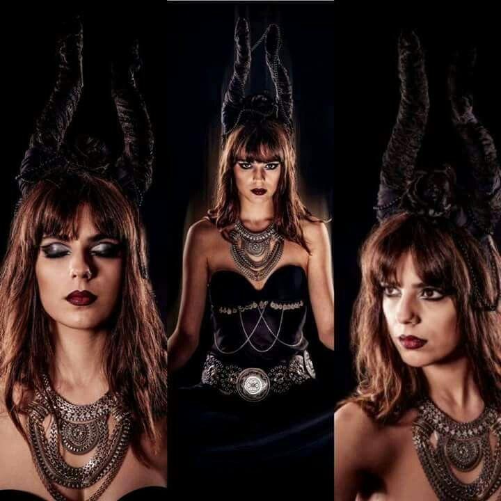 #newtheme #gothic #newshoot #devil #deguise #horns #goth #redlipstick #blacklipstick  #lovemakeup #artisticmakeup #mériamkhadraoui #makeupartist